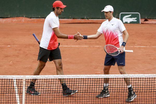 Philipp Oswald (l.) und Kollege Marcus Daniell stehen im Viertelfinale. gepa