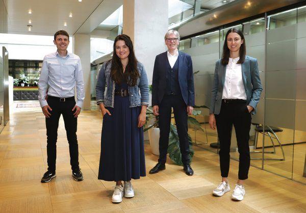Raphael Kiene (Raiffeisen), Verena Eugster (JWV), Wilfried Hopfner (Raiffeisen), und Julia Grahammer (JWV) (v.l.).Karin Fröhlich