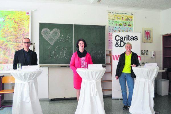 V.l.: Caritas-Direktor Walter Schmolly, Lerncafé-Stellenleiterin Bea Bröll sowie die Hohenemser Vizebürgermeisterin Patricia Tschallener.Mirjam Vallaster, Klaus Hartinger