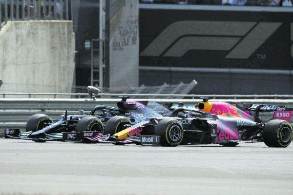 30 Sekunden dauerte das Duell zwischen Hamilton und Verstappen auf der Strecke. Später ging es in Interviews und im Netz sehr emotional weiter. AP