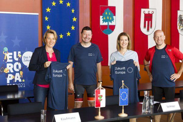 Bürgermeisterin Andrea Kaufmann, EU-Kommissionsvertreter Martin Selmayr, Claudia Gamon (MEP) und ÖGfE-Generalsekretär Paul Schmidt (v.l.).Mathis (4)