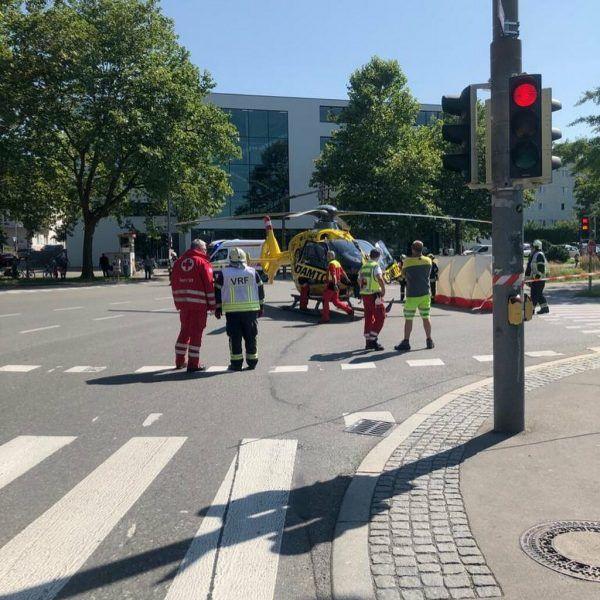 Der Helikopter landete an der Kreuzung zum Bregenzer Bahnhof.Vlach