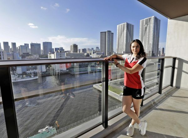 Ein Zimmerausblick, der sich sehen lassen kann: Elisa Hämmerle wohnt im olympischen Dorf im zwölften Stock, ihr Zimmer bietet einen beeindruckenden Blick auf die Weltstadt Tokio. ÖOC