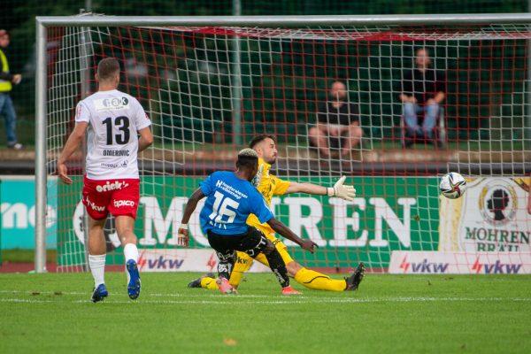 Sechs Mal schlug gestern der Ball im Tor von Lucas Bundschuh ein, der sogar eine noch höhere Niederlage verhinderte.GEPA/Lerch
