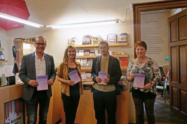 V.l.: Dieter Egger, Kulturreferentin Elisa Rosegger, Thomas A. Welte und Kulturstadträtin Erika Kawasser. Stadt Hohenems