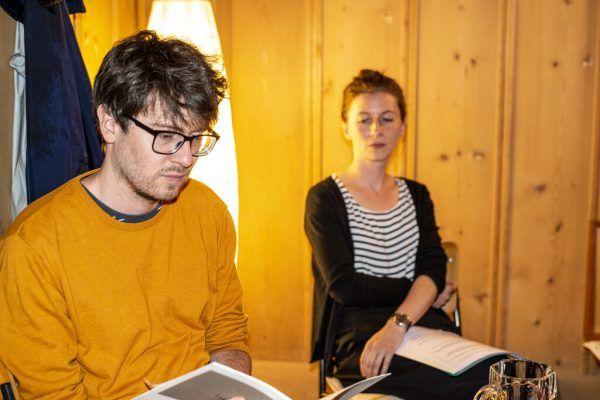 Amos Postner bei der Lesung. Daniel Furxer
