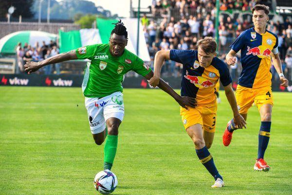 Die Austrianer, wie hier Michael Cheukoua, zeigten gestern viel Schwung in der Offensive, vergaben aber viele Chancen.GEPA/Lerch