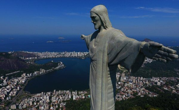 """Die riesige Statue """"Cristo Redento"""" gilt als Wahrzeichen von Rio de Janeiro. AFP"""