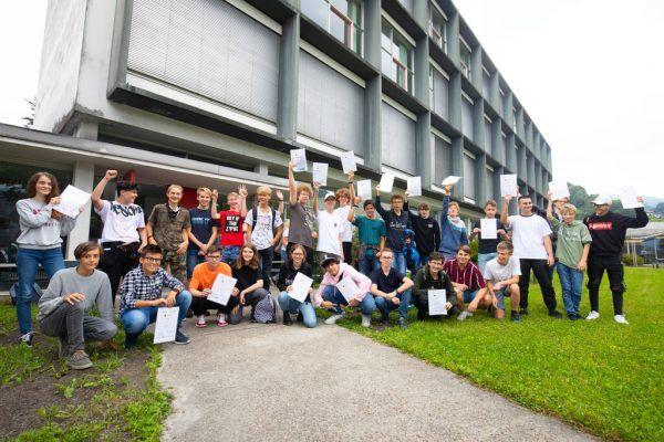 Die Teilnehmer des fünften Code Base Camps erhielten am Freitag ihre Zertifikate.Hartinger