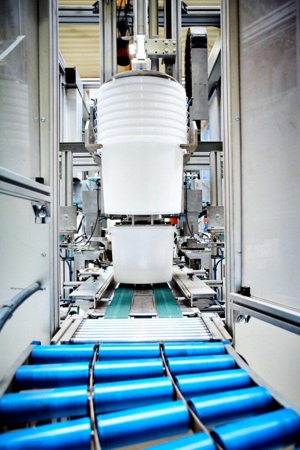 Eimer gehören zum Produktsortiment von Wolf Plastics.Wolf Plastics