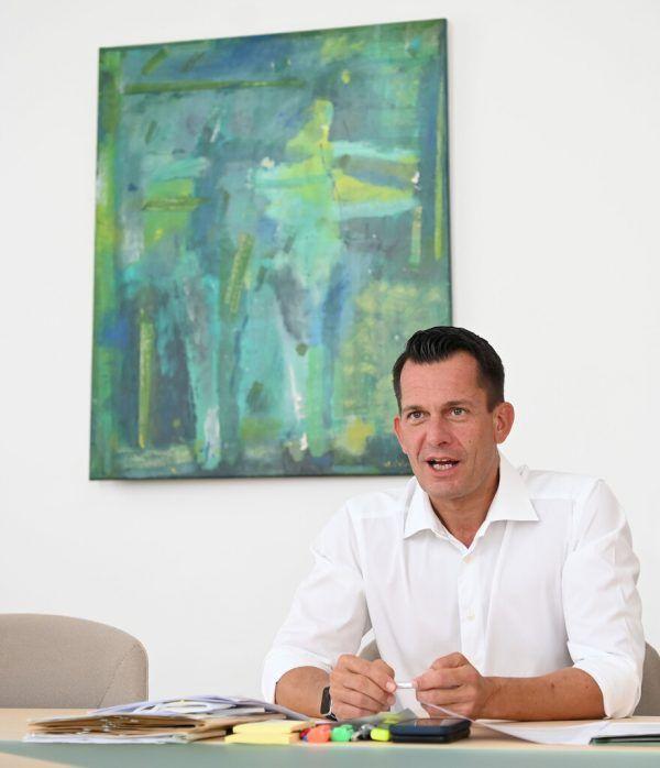 Gesundheitsminister Wolfgang Mückstein hat für den Herbst Booster-Impfungen angekündigt.Herbert Neubauer