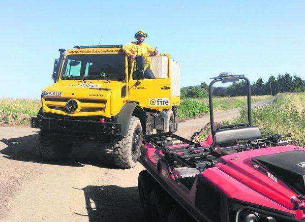 """Markus Stengele mit dem Unimog und einem der ATV von """"@fire"""".@fire/Stengele (8)"""