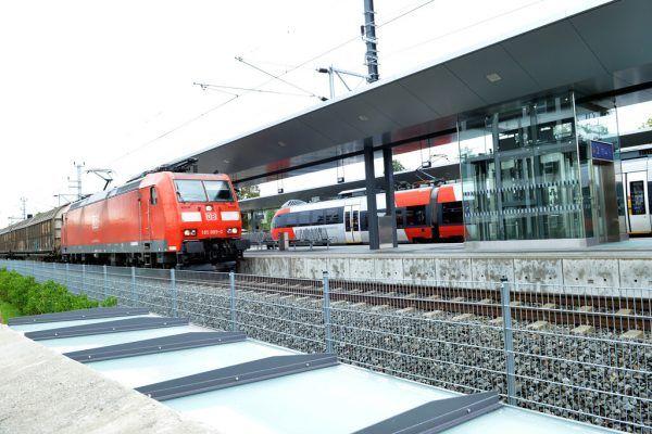 Neue Schienenachse soll im Dezember vollständig in Betrieb gehen. VLK/Serra