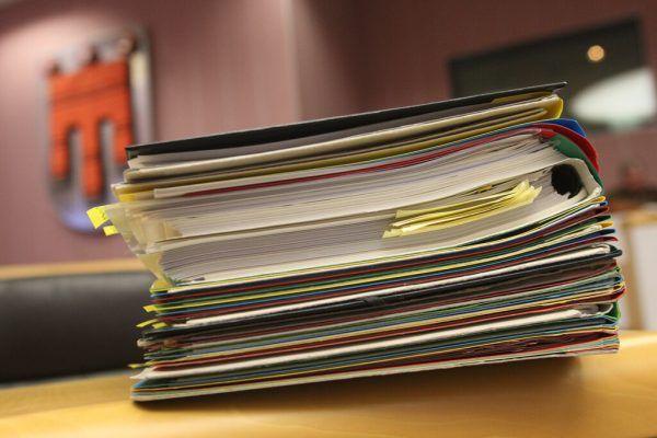 Nimmt der Landtag die Vorlage an, werden die Papierakten weniger.Hartinger