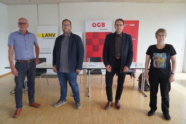 Sigi Langenbahn, Lukas Auer, Reinhard Stemmer und Bärbel Mauch (v.l.) trafen sich zum Gedankenaustausch.ÖGB