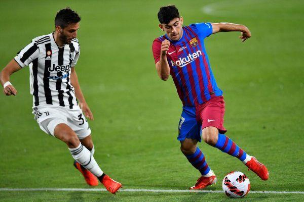 Wie erwartet steht Yusuf Demir (r.) von Barcelona im Kader. apa