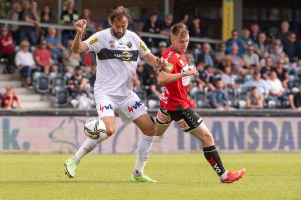Atdhe Nuhiu (l.) erzielte bereits seinen dritten Ligatreffer in dieser Saison für die Altacher. gepa/lerch