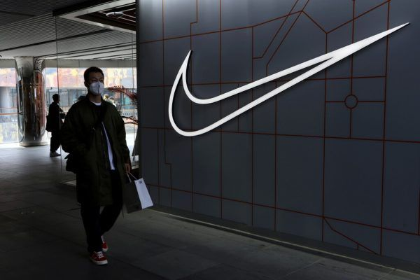 Bei den großen Sportartikelherstellern droht ein Einbruch.Reuters
