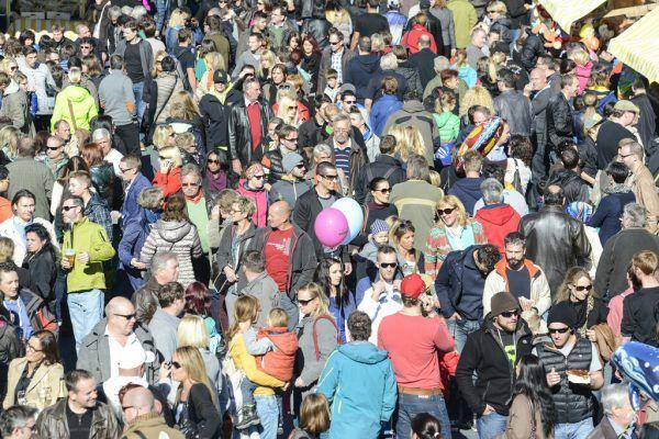 Bis zu 20.000 Besucher tummeln sich alljährlich auf der Kilbi.