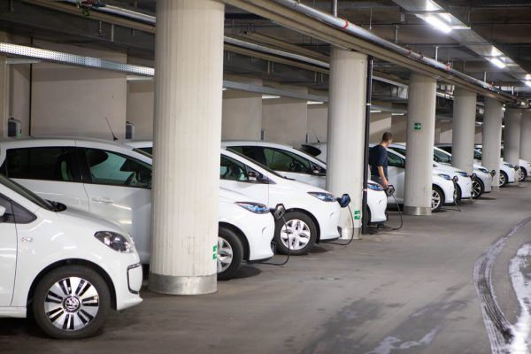 Der Fuhrpark des Landes: 57 von 185 Fahrzeugen werden elektrisch betrieben. Hartinger