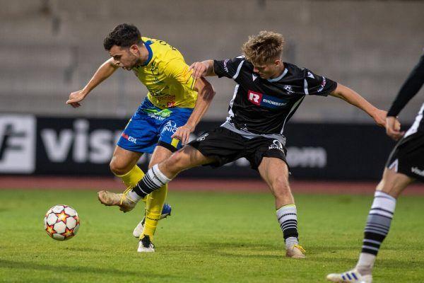 Der VfB Hohenems (oben) und SW Bregenz (kleines Bild) konnten sich gegen die höherklassige Konkurrenz nur stellenweise zur Wehr setzen. Am Ende folgt für beide das Aus im ÖFB-Cup.gepa/lerch (2)