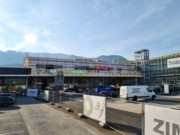 Die Bauarbeiten für die Erweiterung des Emsparks laufen seit Anfang Februar und sollen im Oktober abgeschlossen sein.Zima