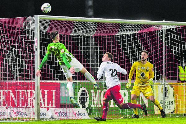 In der Vorsaison gerieten die Grün-Weißen im Derby in Schieflage, verloren beide Duelle. Markus Mader war damals noch FCD-Coach. GEPA/Lerch (2)
