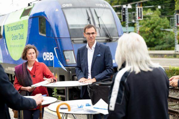 Landeshauptmann Markus Wallner und Martina Büchel-Germann, Vorständin der Abteilung Europaangelegenheiten, beim Auftakt der Mobilitätswoche.Serra