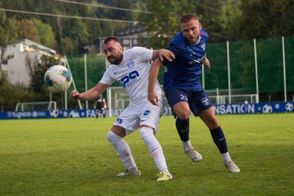 Tabellenführer Lochau (in Blau) setzte sich gegen den Verfolger durch. steurer