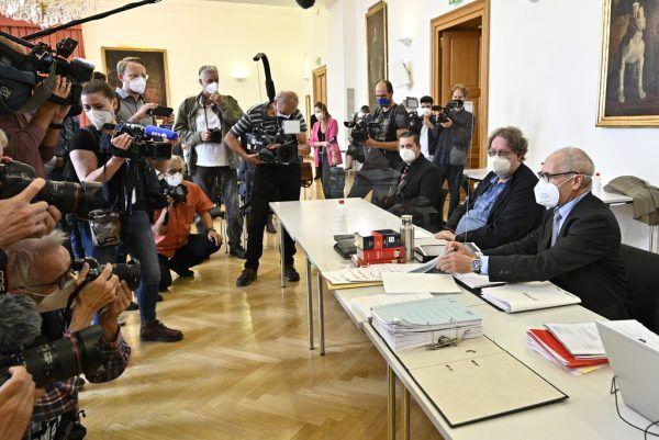 Unter großem Medieninteresse ging der erste Prozess über die Bühne.AFP, Apa
