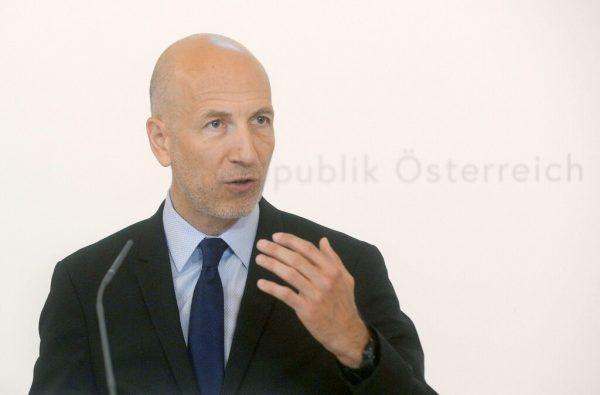 Will den Druck auf Arbeitslose erhöhen: Minister Martin Kocher.APA