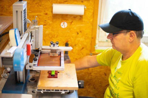 André Nußbaumer bedruckt T-Shirts mit lustigen Sprüchen.Hartinger (5)