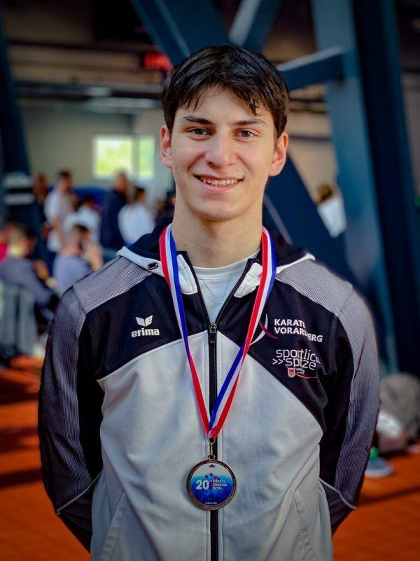 Beim ersten Auftritt bei den U21 holte sich Hamsat Israilov gleich die Silbermedaille. privat