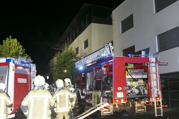 Das Feuer breitete sich über die Balkone im zweiten Obergeschoß aus. Das Gebäude ist derzeit unbewohnbar.Dietmar Mathis, Privat (2)