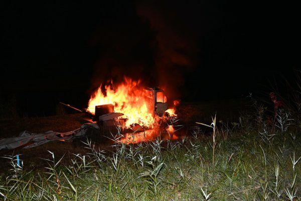 Der gestohlene Lieferwagen brannte vollständig aus.Kapo S.t. gallen