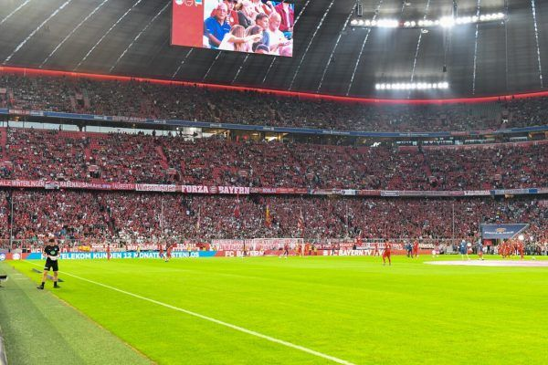 Die Bayern dürfen zu Hause wieder vor ausverkauftem Haus spielen. GEPA