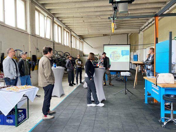 Die Werkstatt wurde den Fahrradhändlern präsentiert. Aqua Mühle