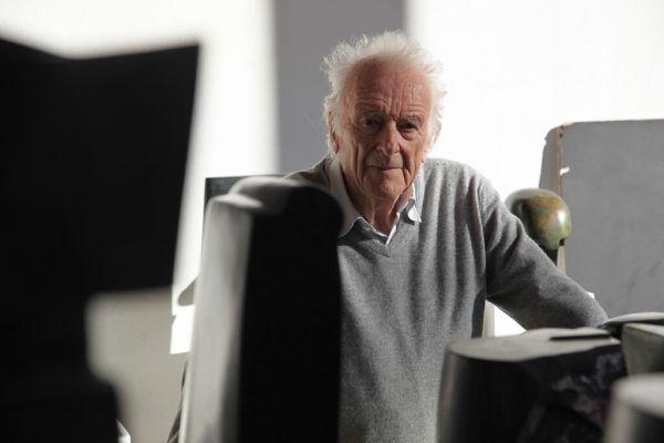 """Kleine Bilder: Blick in die Schau zum 90. Geburtstag, unten der """"Doppelkopf"""". Im großen Bild: Herbert Albrecht 2017.Gabriel Rüf (1)/NEUE (1)/Stiplovsek (1)"""